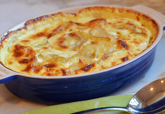 Potatoes-Au-Gratin-575x399